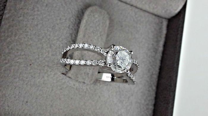 1.40Ct Near White Moissanite Split Shank Engagement Ring 925 Sterling Silver