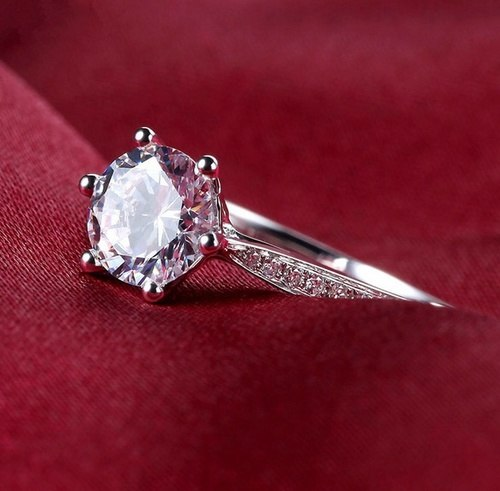 Solitaire 1.50Ct Near White Moissanite Dream Engagement Ring 925 Sterling Silver