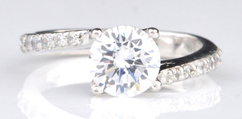 Gorgeous 1.60Ct Round Solitaire Moissanite Fancy Engagement Ring 14K White Gold