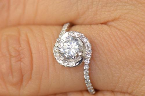 1.40Ct Near White Moissanite Bypass Engagement Promise Ring 925 Sterling Silver