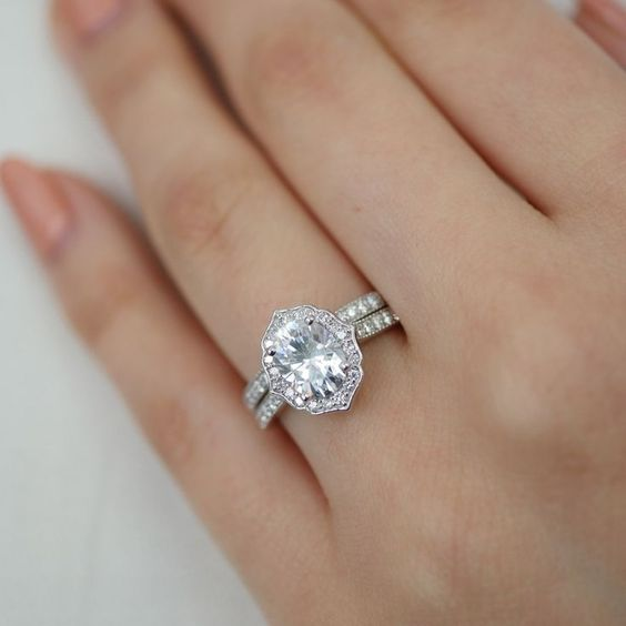 Vintage Style Oval Cut Diamond Engagement Wedding Ring Set