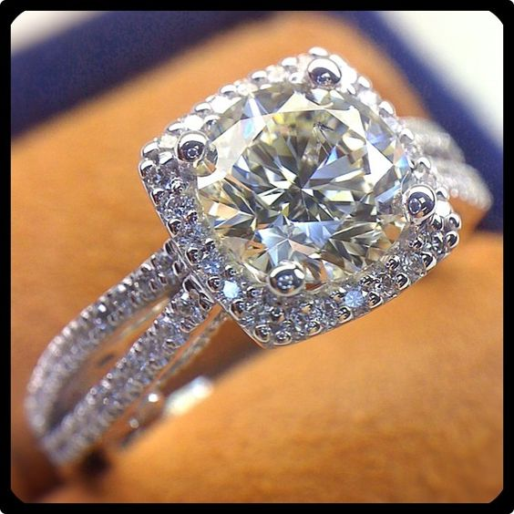 1.65Ct Excellent Cut White Moissanite Halo Engagement wedding Ring 925 Sterling Silver
