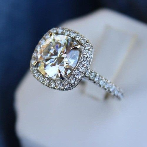 Unique 1.75Ct Brilliant Center White Moissanite Engagement Ring 925 Sterling Silver