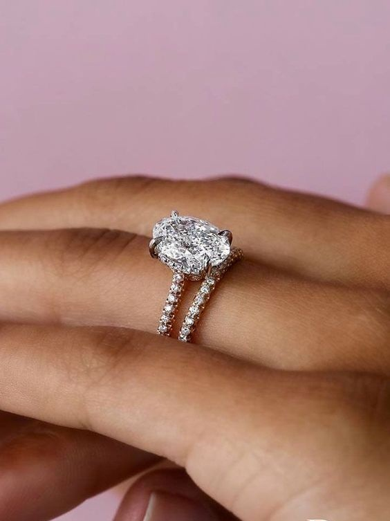 2.22 Ct Brilliant Oval Cut Diamond Wedding Engagement 2 Ring Set 925 Sterling Silver