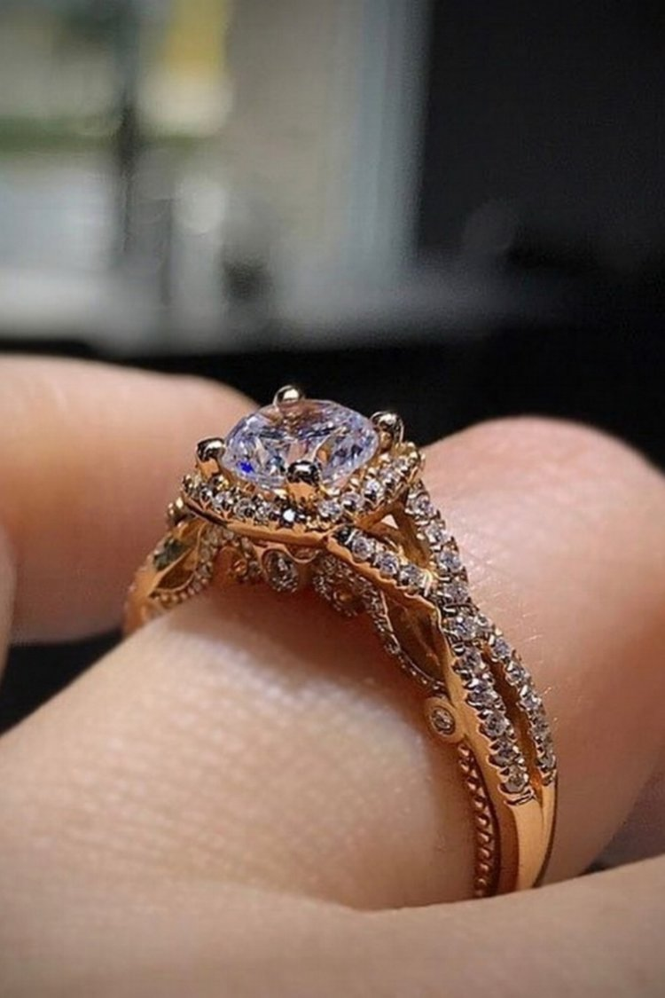 Antique 1.55Ct Near White Moissanite Wedding Engagement Ring Solid 14k Yellow Gold