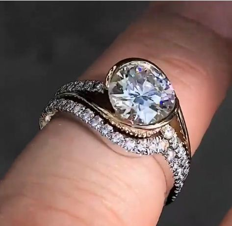Gorgeous 2.32Ct Real Moissanite Luxury Bridal Wedding & Engagement Ring In 14k White Gold