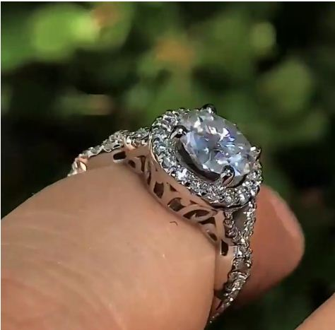 Certified 2.Ct Brilliant Cut VVS1 Moissanite Twisted Engagement Wedding Ring 14k White Gold