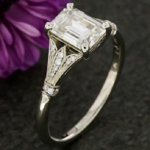 Excellent 1.70Ct Real Emerald Diamond Celebrity Engagement Ring 925 Sterling Silver