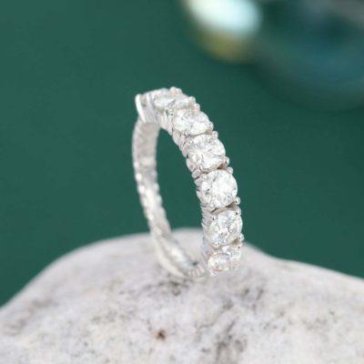 1.65 Ct Round Cut Moissanite 7-Stone Solitaire Wedding Band 10K White Gold
