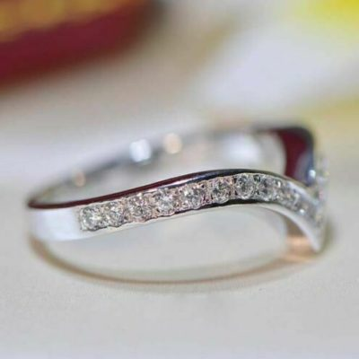 0.35 Ctw Round Cut Moissanite Curved Wedding Anniversary Band 14K White Gold
