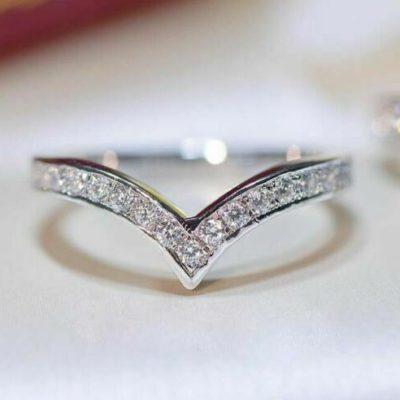 0.35 Ctw Round Cut Moissanite Curved Wedding Anniversary Band 14K White Gold