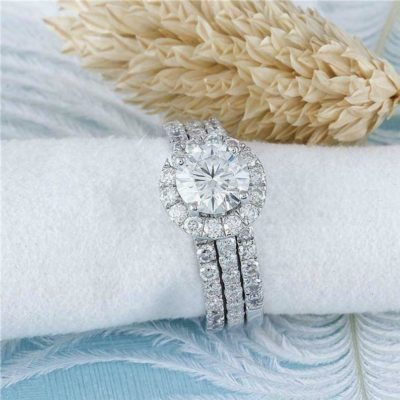 1.40 Ct Round Cut Moissanite Halo Trio Wedding Ring Set 14K White Gold