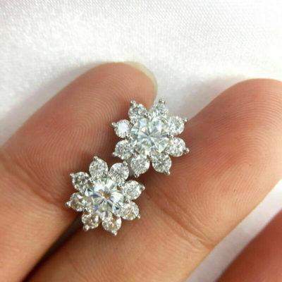 2.60 Ctw Round Cut VVS1 Moissanite Flower Halo Stud Earrings 14k White Gold FN