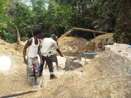 リベリア ダイヤモンド採掘