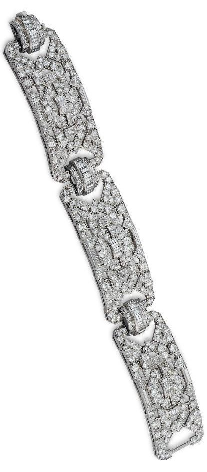 An antique Art Deco diamond bracelet with a gorgeous geometric pattern.
