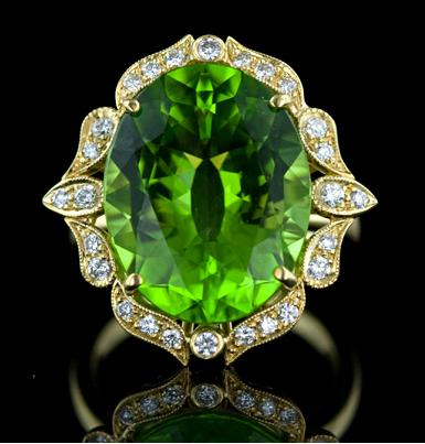 Gorgeous peridot and diamond ring. Via Diamonds in the Library.
