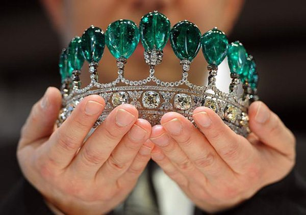 Magnificent and rare emerald and diamond tiara at Sotheby's, where it set an auction record. Via Diamonds in the Library.
