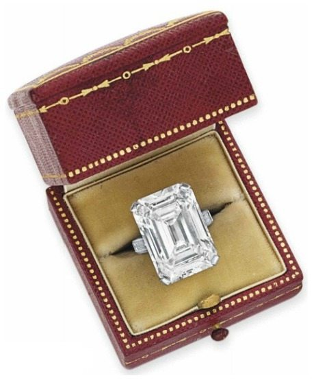 A superb diamond ring by Cartier. Center stone is approx 19.86 carats. Via Diamonds in the Library.