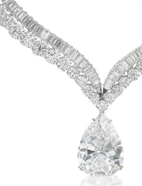 Highly important diamond necklace with 41.40 carat diamond drop. Zoom view. Via Diamonds in the Library.