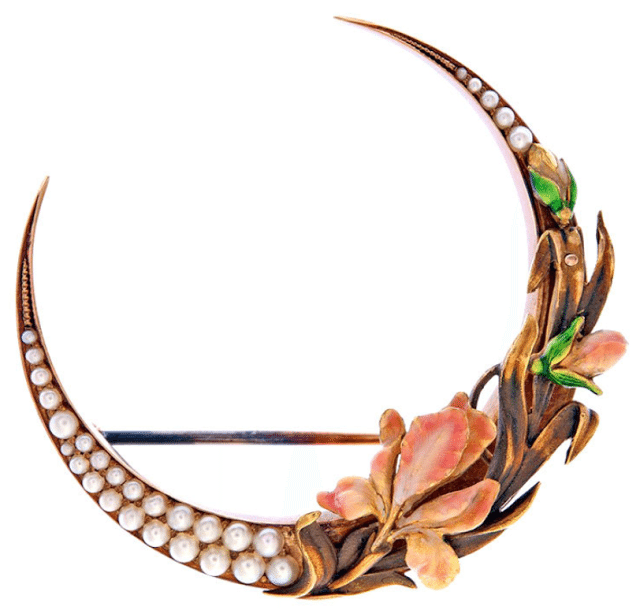 Art Nouveau pearl and enamel flower brooch, circa 1910. Via Diamonds in the Library.