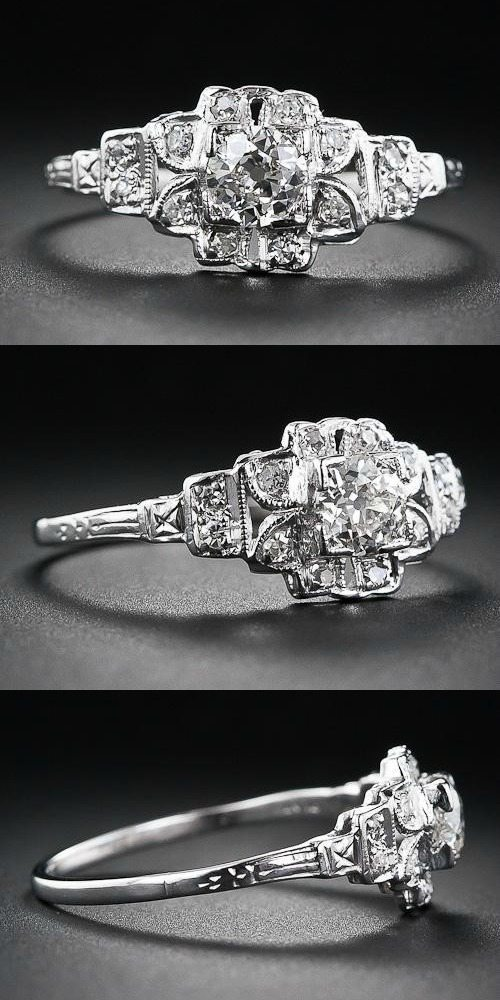 An antique Art Deco engagement ring with a floral design. Diamonds in platinum.