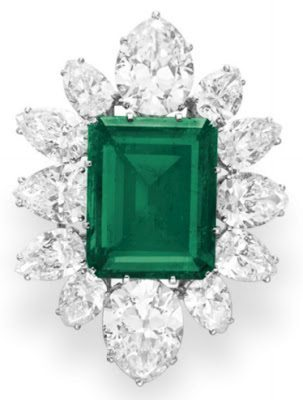 Pendant brooch from Elizabeth Taylor's Bulgari emerald and diamond suite, circa 1958. Via Diamonds in the Library.