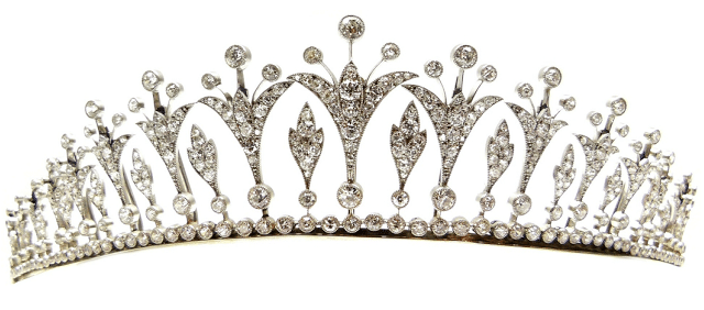 A Belle Epoque diamond tiara, circa 1905. Converts to a necklace. Via Diamonds in the Library.