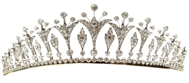A Belle Epoque diamond tiara, circa 1905. Converts to a necklace. Via Diamonds in the Library.