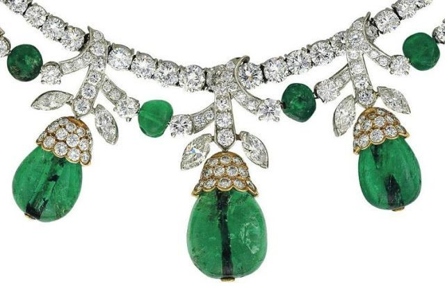 Detail of an emerald diamond necklace by Van Cleef and Arpels. Circa 1960's. Set has matching earrings. Via Diamonds in the Library.