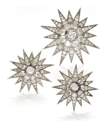 Starburst elements from an antique diamond tiara, circa 1890. The starbursts detach and may be worn separately as brooches. Via Diamonds in the Library.