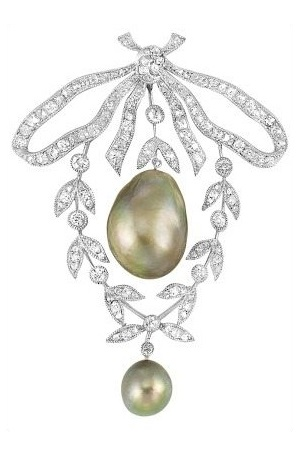 Antique Belle Epoque diamond and pearl bow brooch, circa 1910.