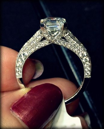 Side view: Jeff Cooper Hazelle diamond engagement ring. Via Diamonds in the Library.