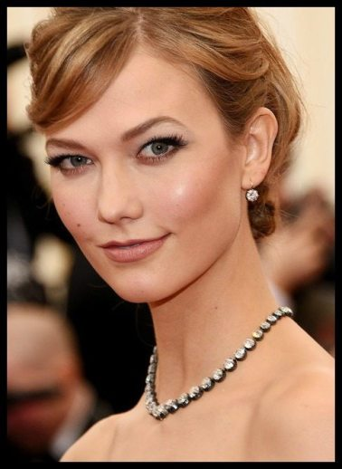Karlie Kloss in antique diamonds at the 2014 Met Gala.