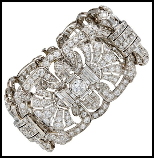 Antique Art Deo fan motif diamond bracelet with 45 carats of diamonds. Via Diamonds in the Library.