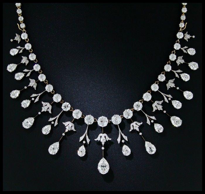 Closer view of a glorious 35 carat antique Edwardian diamond necklace at Lang Antiques