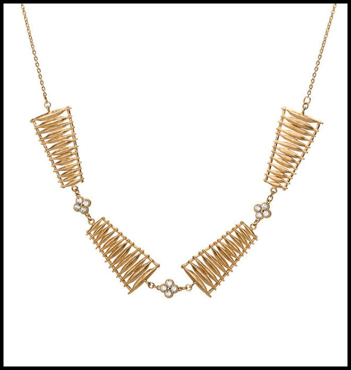Point Ashley's Rosebay Collar necklace