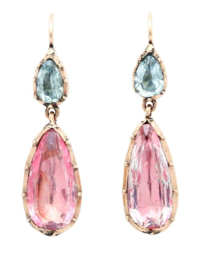 A lovely pair of antique Georgian earrings; foiled-back design with aquamarines and pink topaz or pink crystal in 15k gold. Circa 1830.