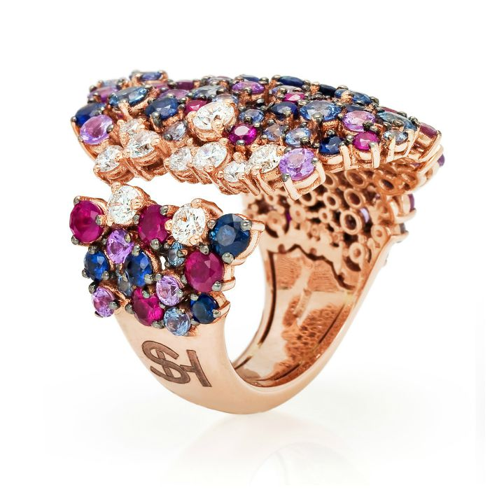 A fabulous cocktail ring from the Stefan Hafner Pegaso collection. Diamonds and gemstones set in rose gold.