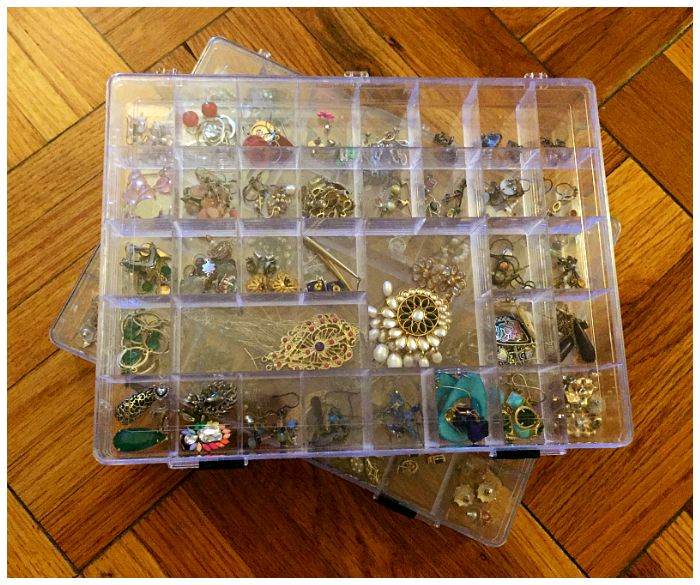 How to pack jewelry for a move - using bead storage boxes for earrings