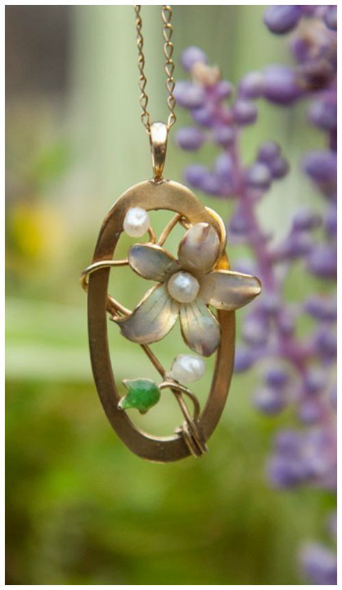 This lovely gold and enamel Art Nouveau pendant is currently up for grabs in my giveaway!