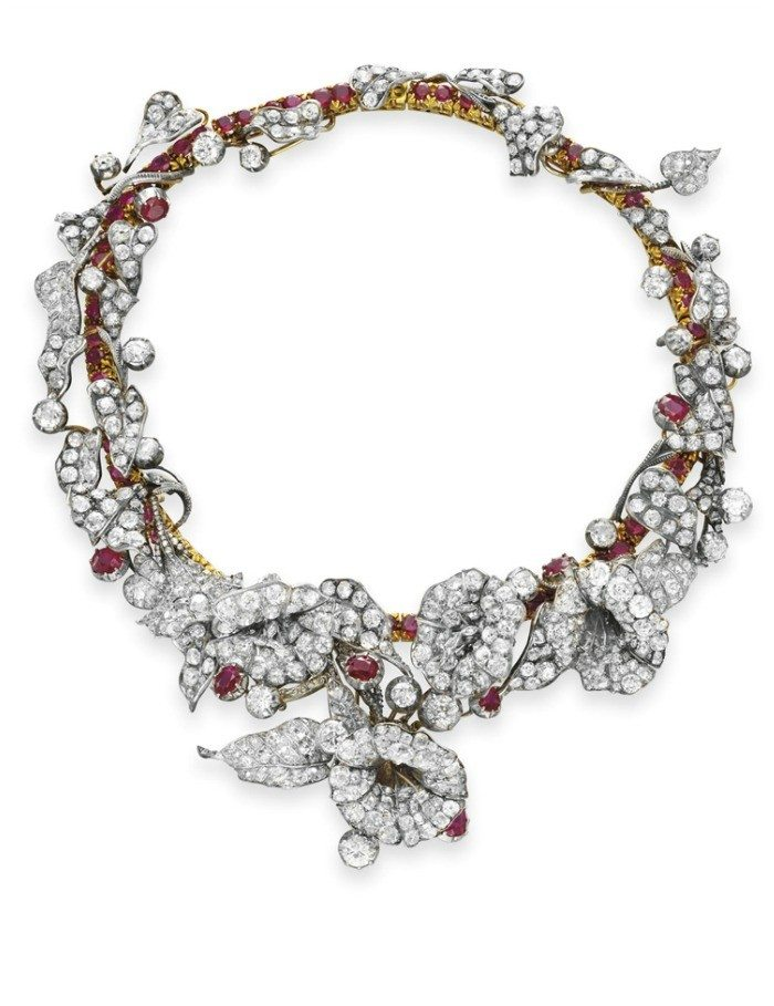 An exquisite 18th century ruby and diamond flower necklace in silver and gold. Victorian era.