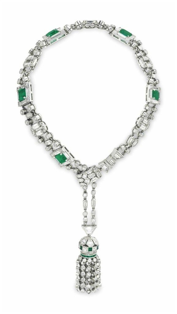 Art Deco emerald and diamond bracelet with a fabulous diamond tassel. Circa 1925.
