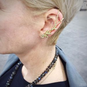 The lovely @judipowers modeling her gorgeous ear climber - perfect for any city-dwelling wood nymph - with a strand of labradorite beads.