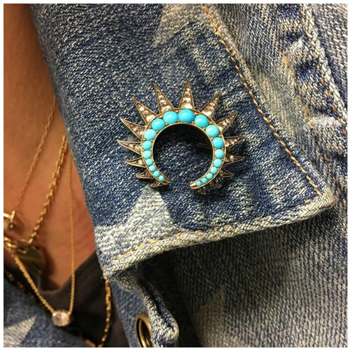 Fabulous Instagrammer Jasmyntea rocking an antique Victorian brooch on a denim jacket.