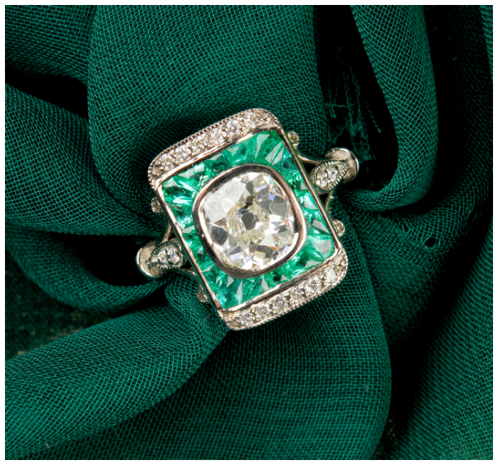 This antique emerald and diamond ring is so beautiful! I think it would be an incredible alternative engagement ring.