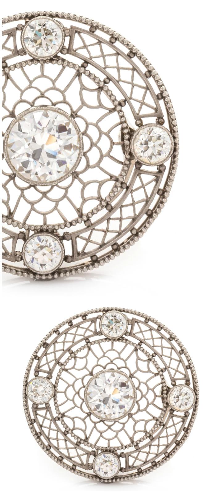 An Edwardian platinum brooch with diamonds.