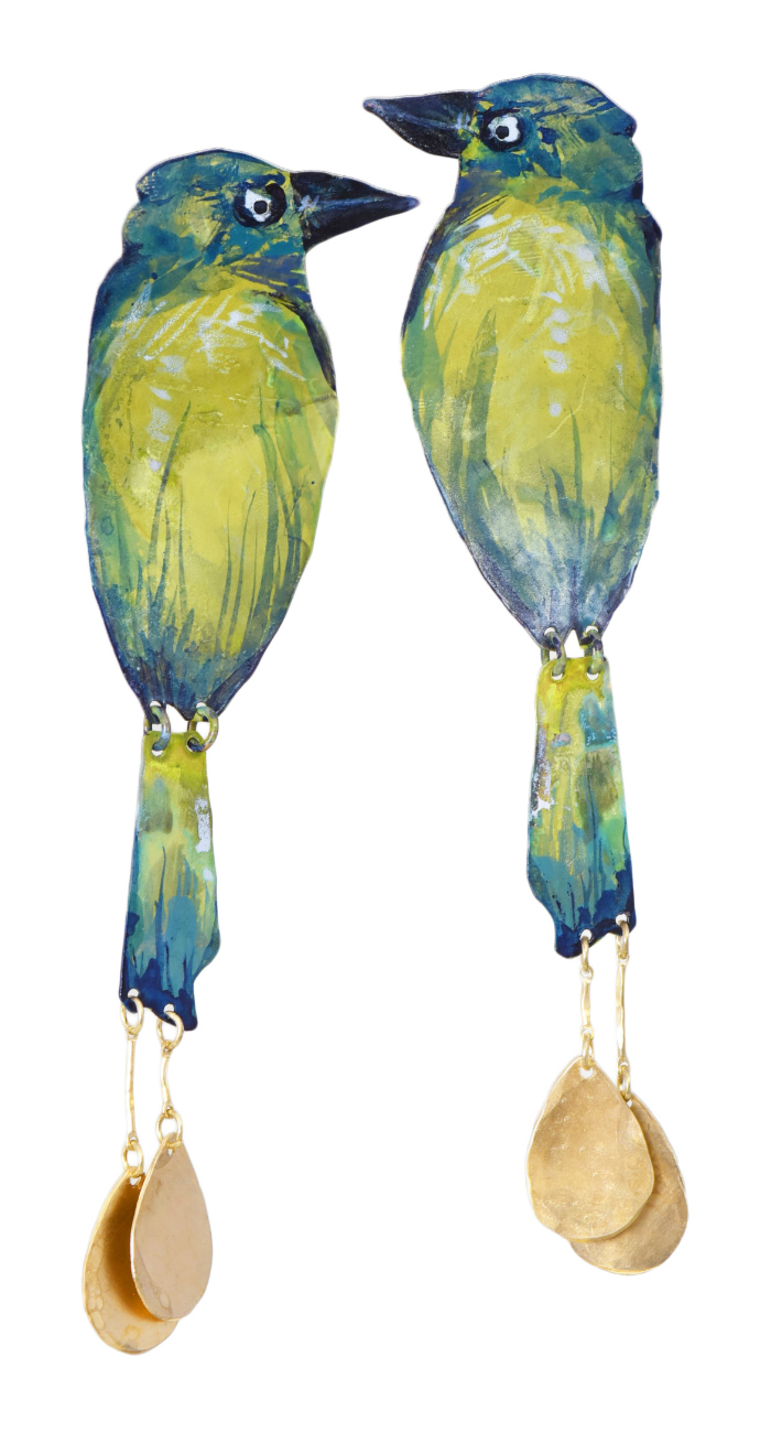 I love these parrot earrings by We Dream in Colour! Such fun color for summer statement earrings.