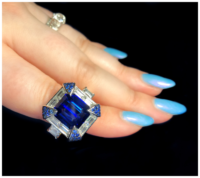 A stunningly spectacular sapphire and diamond ring by Omi Prive!