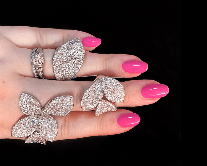 Lovely, leafy diamond rings by Pasquale Bruni! These are as comfortable as they are glamorous. .