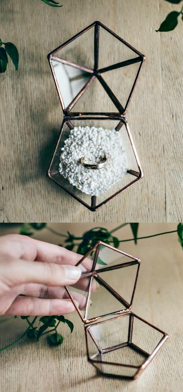 A beautiful copper and glass ring box by Leosklo